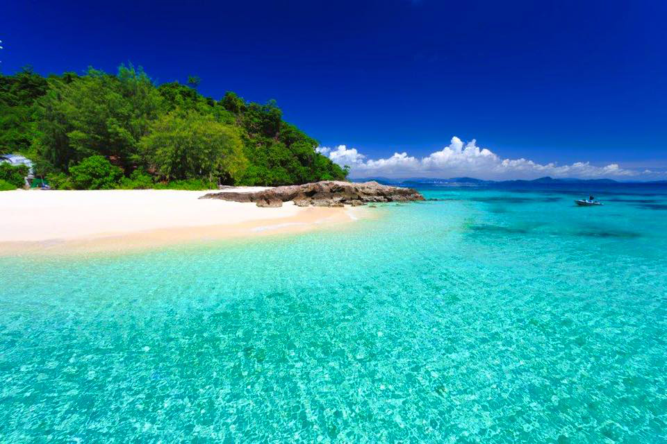 เที่ยวภูเก็ต ชมความงามเกาะไม้ท่อน